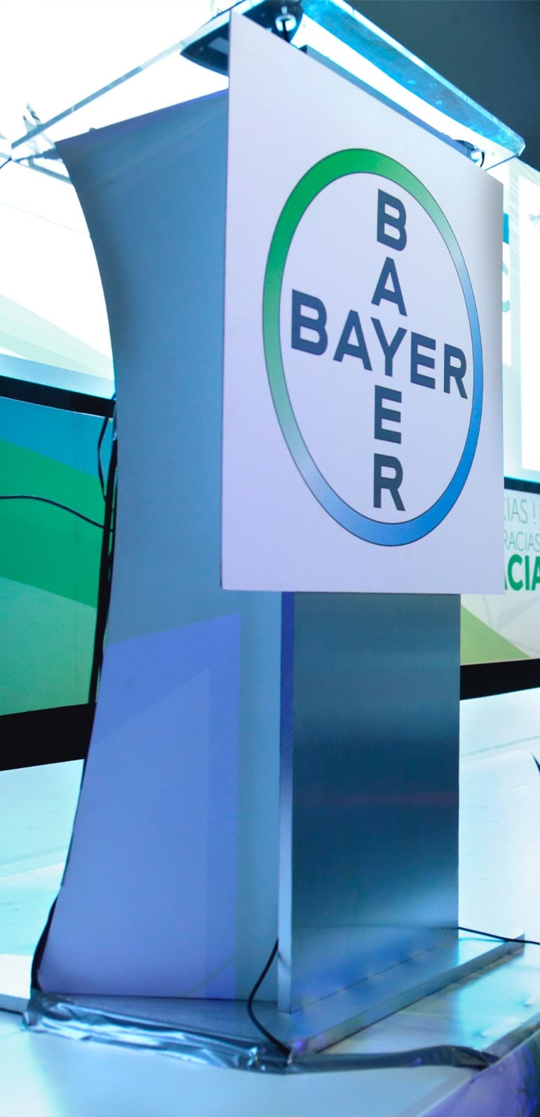 SATmexico-dmc-events-mexico-convention-production-pulpit-branding-bayer-simposio