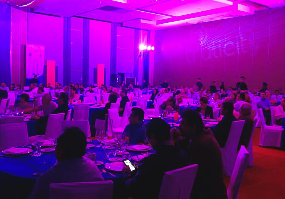SATmexico-dmc-meetings-events-guadalajara-branding-dinner-set-up-production-light-projection-lilly-trulicity