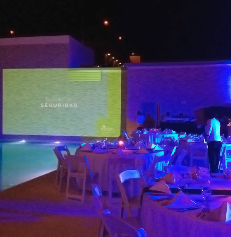 SATmexico-dmc-meetings-events-guadalajara-production-gala-dinner-lilly-trulicity