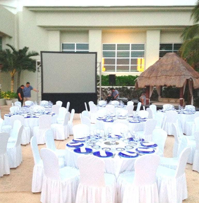 SATmexico_dmc_meetings_backdrop_dinner_set_up_novamil_bayer